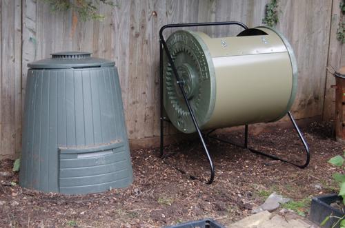 Compost-tumbler-empty