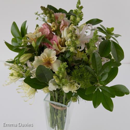 November pale colours bouquet (1 of 1)