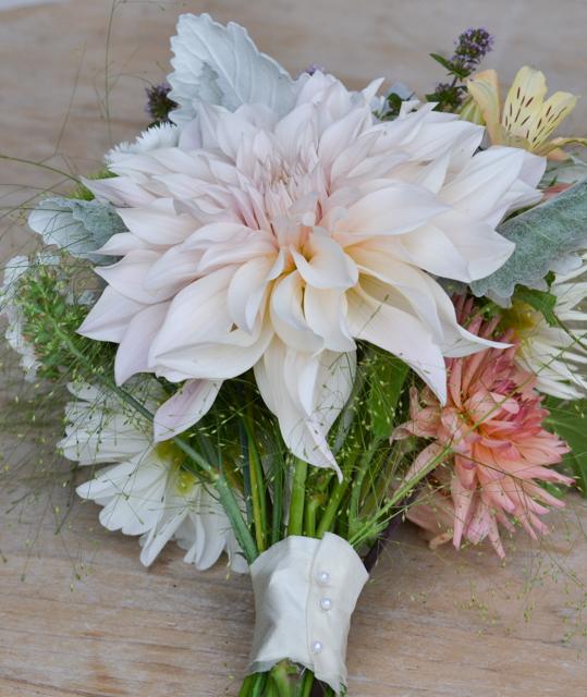 Peach September bridal bouquet